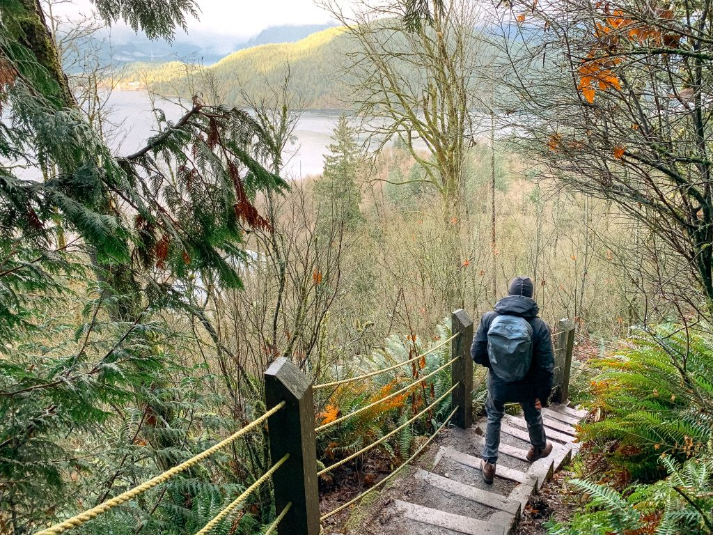 Burnaby Mountain - Easy Hike in Vancouver